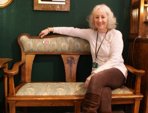 Arts & Crafts settle at Antiques for Everyone