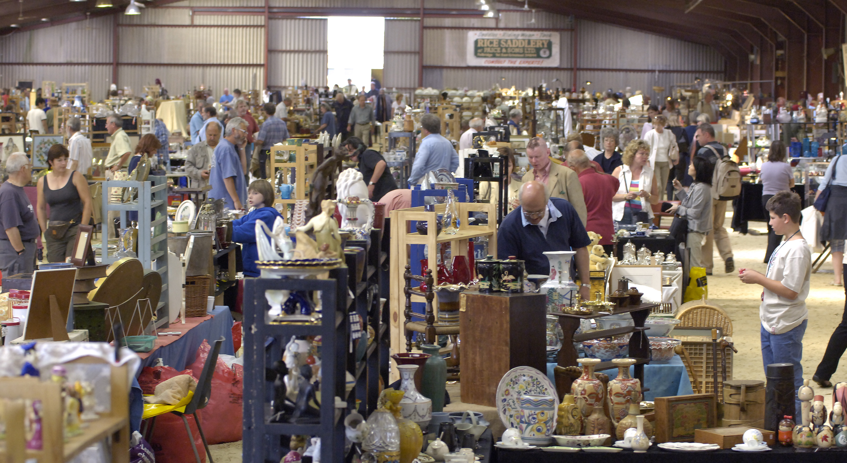 Top 20 Tips For Visiting Antique And Vintage Fairs