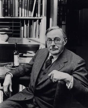 Sir Gordon Russell