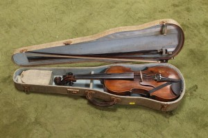 vintage one piece-backed violin