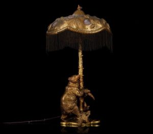 A JUGENDSTIL GILDED BRONZE TABLE LAMP