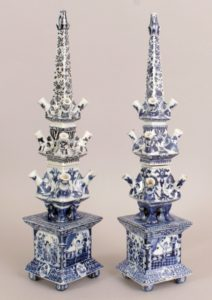 A rare pair of c.1700 Chinese blue and white porcelain tulipières