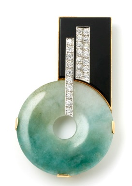 Art Deco jade, diamond and onyx clip brooch set in 18ct yellow gold. Austrian made, circa 1930, £9,950, exhibited by Nigel Milne