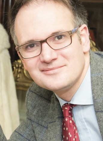 Auctioneer Charles Hanson