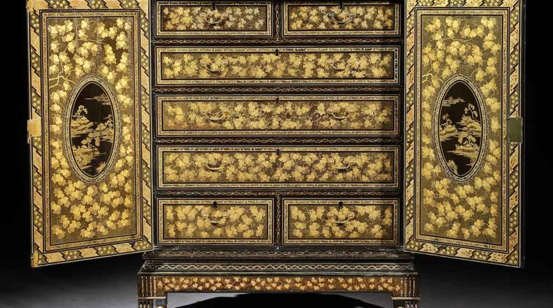 Late 18th-century lacquer cabinet on stand