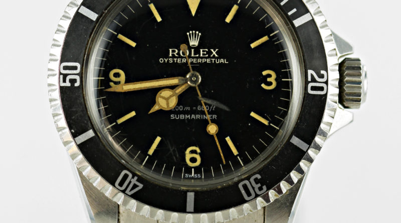 Rolex Oyster Perpetual Submariner wristwatch2