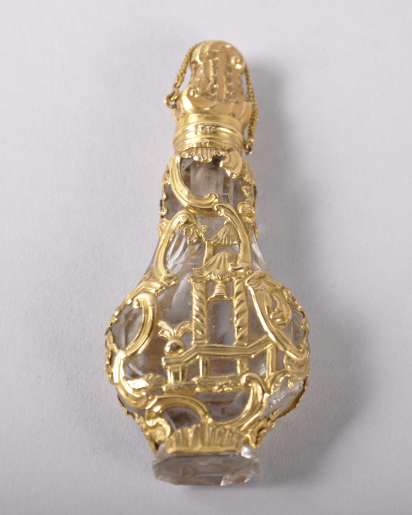 18th century rock crystal and gold scent bottle and stopper